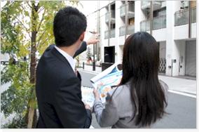 集患の専門家が目立つ看板の設置場所や仕様をご提案